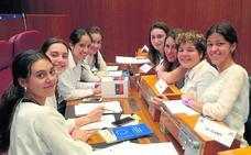Ocho alumnas del Claret disputarán el 4 de mayo la final de la Liga de Debate