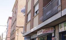 Fallece un joven cuando intentaba entrar a su casa por una ventana en el barrio de San Bernardo