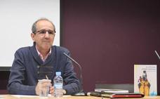 Santiago Pérez Palacín presenta 'El futuro sonríe mañana'