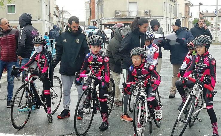 Tres podios para el Promesal en el comienzo de la temporada de carretera de la Copa de Escuelas de Castilla y León de ciclismo