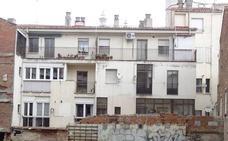 Sobrevive a la caída desde un tercer piso al ir a coger una maceta en Fray Luis de León