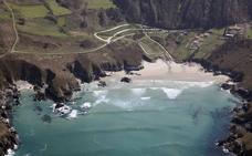 Un surfista de Aguilar fallece por un infarto en una playa de La Coruña