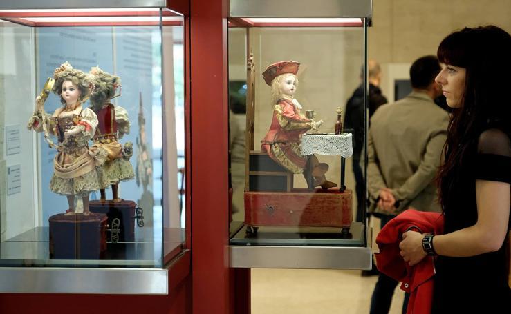 Exposición 'Universo Lis' en la sede de las Cortes