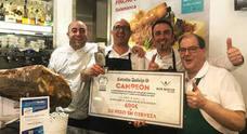 Dos hosteleros de Castilla y León buscan el Campeonato Nacional de tiraje de cerveza
