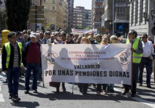 Los pensionistas vuelven a salir a la calle para clamar contra el «chantaje» de las pensiones