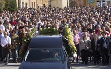 Último adiós a la joven asesinada en Zamora en un multitudinario funeral