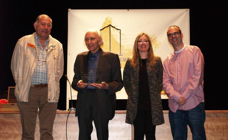 Entrega del II Premio Literario Villa de Íscar a Jose Luis Alonso de Santos