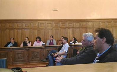 El Ayuntamiento rectifica y pacta los servicios mínimos para la huelga del transporte urbano