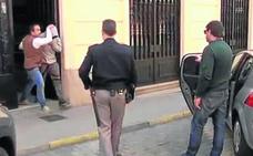Vecinos de Castrogonzalo afirman que el menor acusado del crimen es «algo conflictivo» y apuntan a una infancia difícil