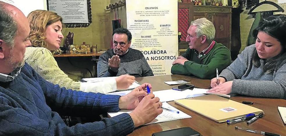 La Fundación Re-habitar impulsa la Mesa del Pichón Bravío de Tierra de Campos
