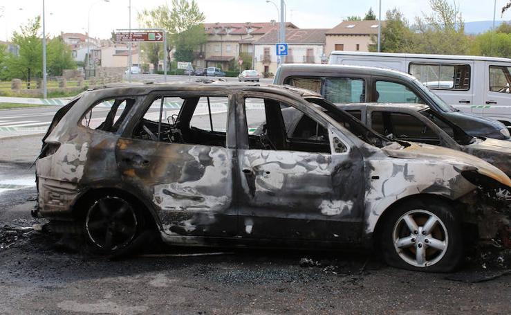 Incendio de vehículos en Torrecaballeros
