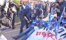 La Policía interviene en la protesta de los funcionarios de la prisión de Villanubla