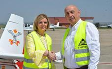 El Real Aero Club de España y Adventia potencian el vuelo acrobático con un convenio