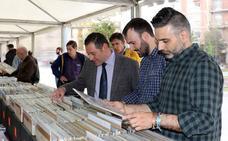 La XXXIII Feria del Disco se despliega en la Plaza de Portugalete