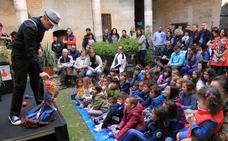 Titirimundi llena Segovia de turismo familiar y colecciona escenarios abarrotados