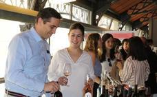 El Mercado del Val brinda en la fiesta 'Día Movimiento Vino D.O'