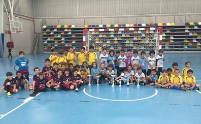Emoción y calidad en la IV Copa Prebenjamín de fútbol sala en Aldeatejada