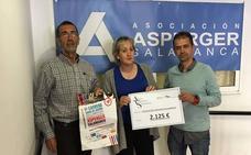 Los '10km de Gudino' entregan su cheque solidario a la Asociación Asperger de Salamanca