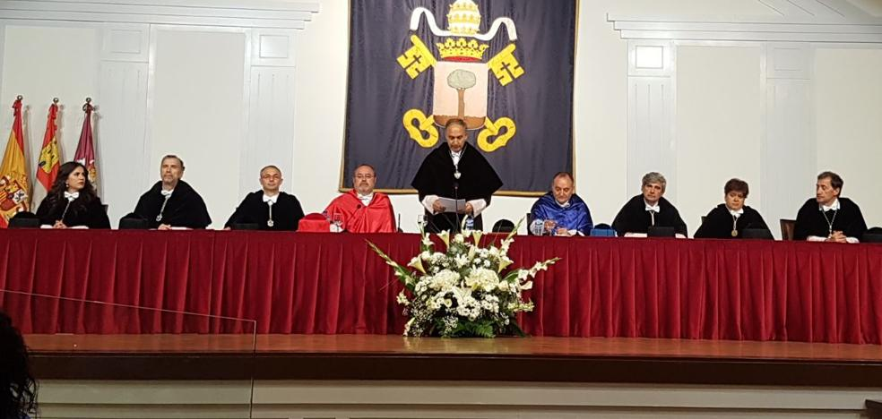 Antonio Largo se fija el objetivo de reconectar la Universidad con la sociedad