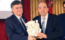 La Diputación premia «el trabajo por el bien el común, el progreso y la solidaridad»