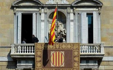 Torra toma posesión sin bandera de España, foto del Rey ni acatamiento a la Constitución
