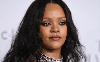 Un acosador entra en la casa de Rihanna y se queda dentro doce horas