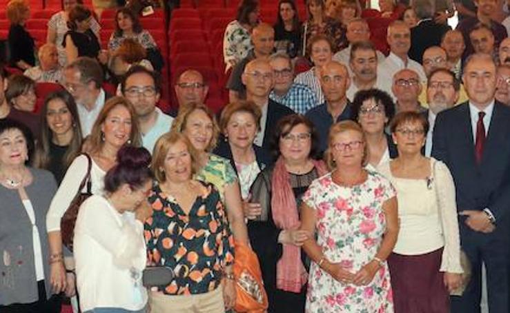 Entrega de diplomas a los funcionarios del Ayuntamiento de Valladolid por Santa Rita