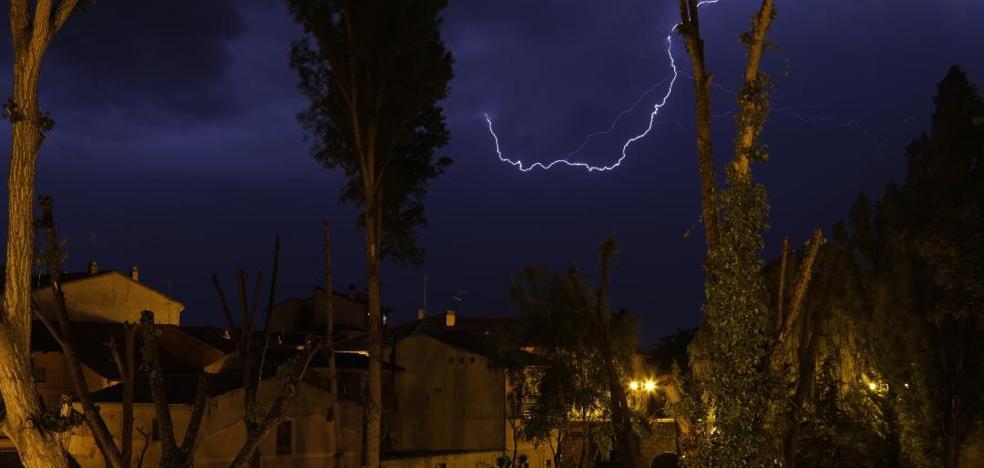 Nueva y potente tormenta sobre la comarca de Peñafiel