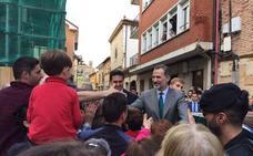 Aguilar aclama al Rey Felipe