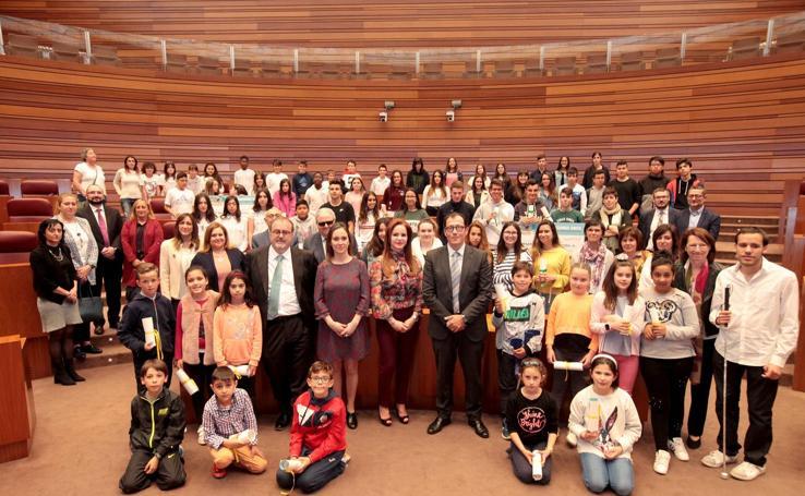 Entrega de los premios del Concurso Escolar de la ONCE en las Cortes