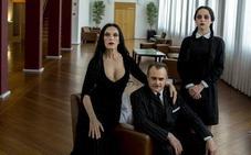 «Lo más difícil de actuar en 'La familia Addams' con este vestido es bailar y no acabar en el suelo»
