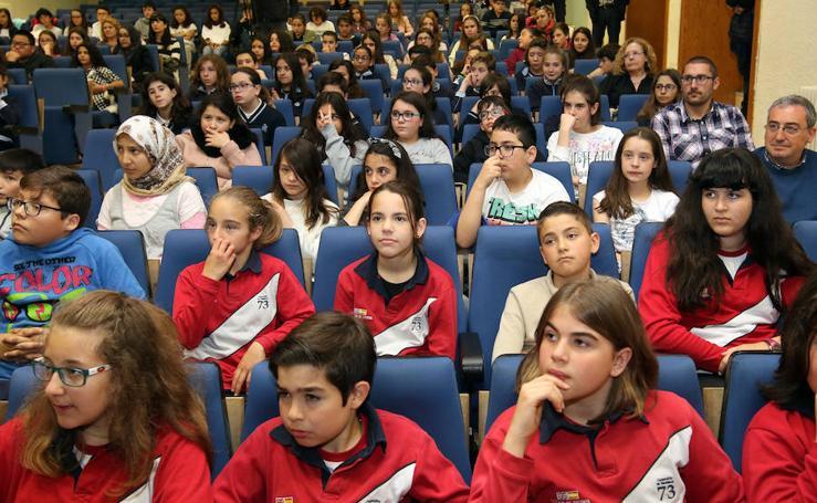 Entrega de carnés de ciberexpertos a alumnos de colegios de Segovia