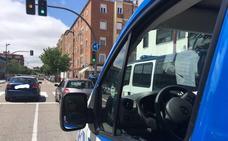 Conduce drogado por Valladolid, llama a un amigo para que se haga cargo del coche y también da positivo