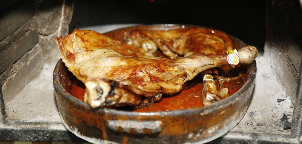 Aranda, capital del lechazo asado durante el mes de junio
