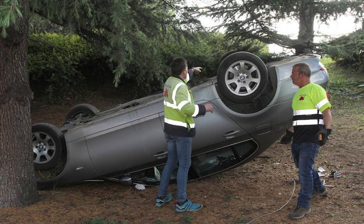 Un coche se precipita en la pasarela Cardenal Cisneros