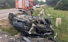 Fallece en el hospital el varón herido al volcar su turismo en la CL-602 en Olmedo