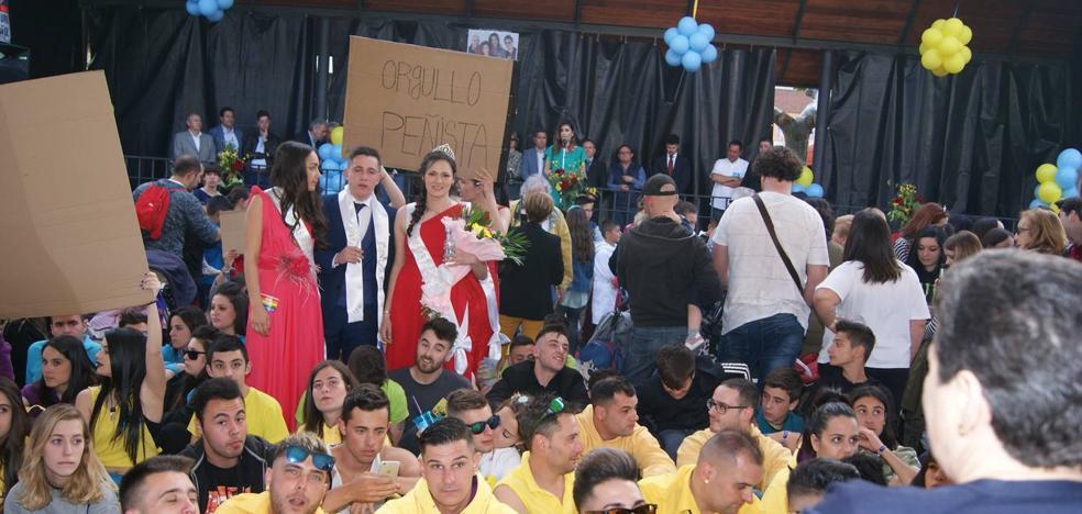 Las damas y galanes de Zaratán plantan a la alcaldesa en el pregón de las fiestas