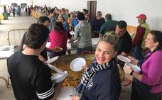 La Semana de la Caridad se cierra con el reparto de 600 raciones de paella