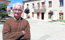 55 años con el bastón de mando