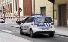 Denunciados el conductor y el ocupante de un coche por llevar armas blancas
