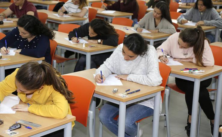 Estudiantes de Palencia se examinan de la selectividad