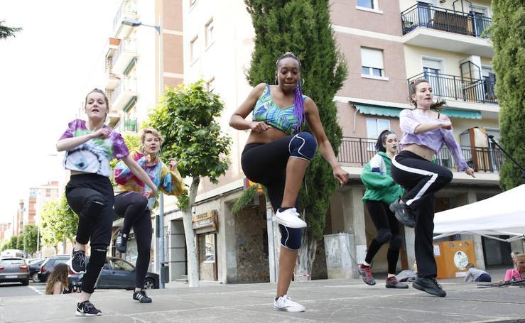 El barrio de Garrido disfruta del festival de música y danza