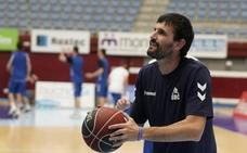 De la Iglesia: «No estoy orgulloso de jugar al baloncesto, sino de recaudar dinero para investigar»