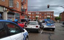 Sorprendido al volante cuando fumaba un porro en Valladolid