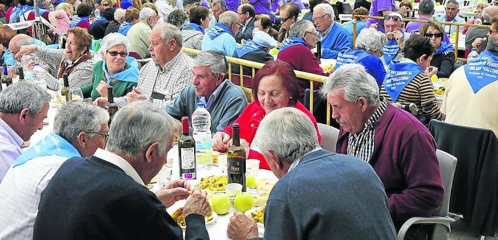 Los jubilados resaltan su labor con una fiesta en Olivares