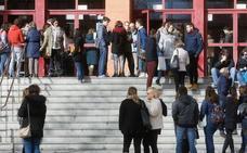 Profesores interinos piden la suspensión de la oposición a Secundaria del próximo día 23
