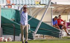 Cortés: «Veo una eliminatoria muy pareja entre Salmantino y Compostela»