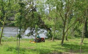 La zona del río se prepara para el verano con la reparación de daños por lluvias