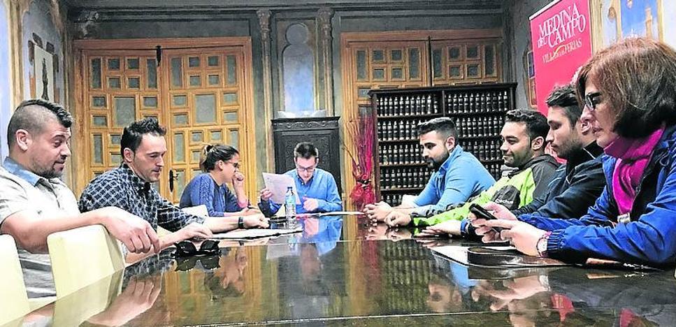 Los hosteleros medinenses buscan medidas para revitalizar la feria de calle