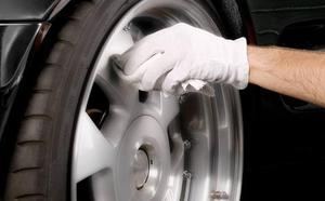 El truco de la Guardia Civil para saber si tienes que cambiar los neumáticos